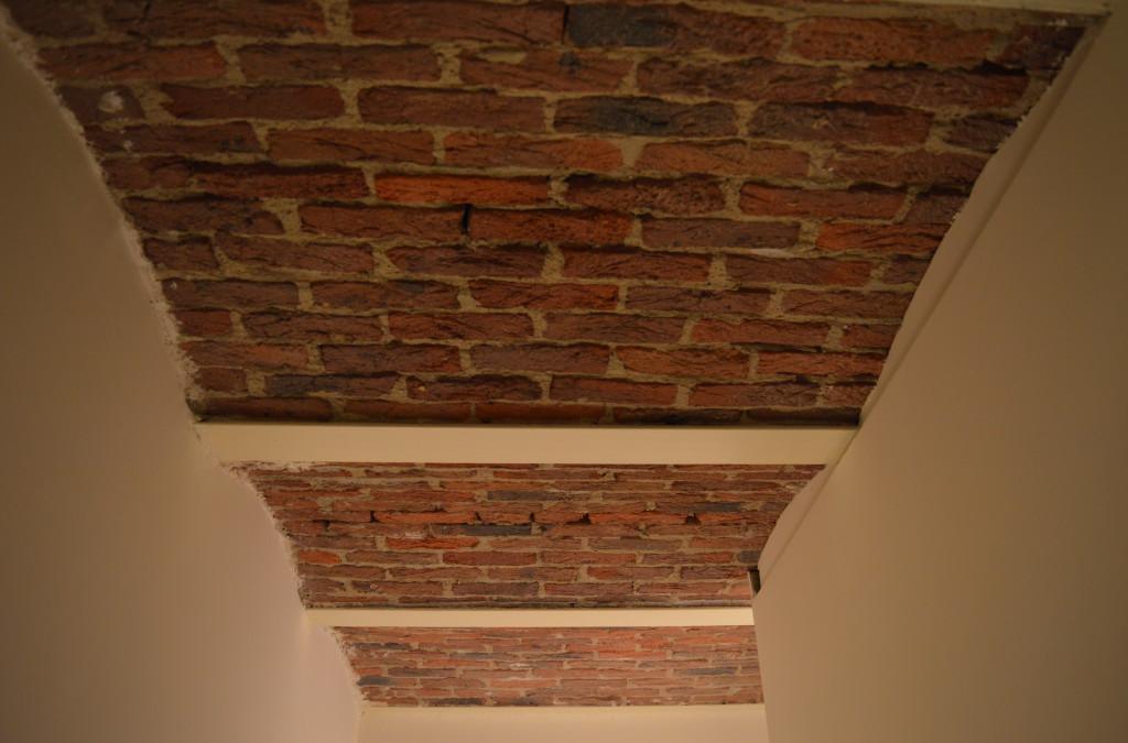 Bakstenen plafond