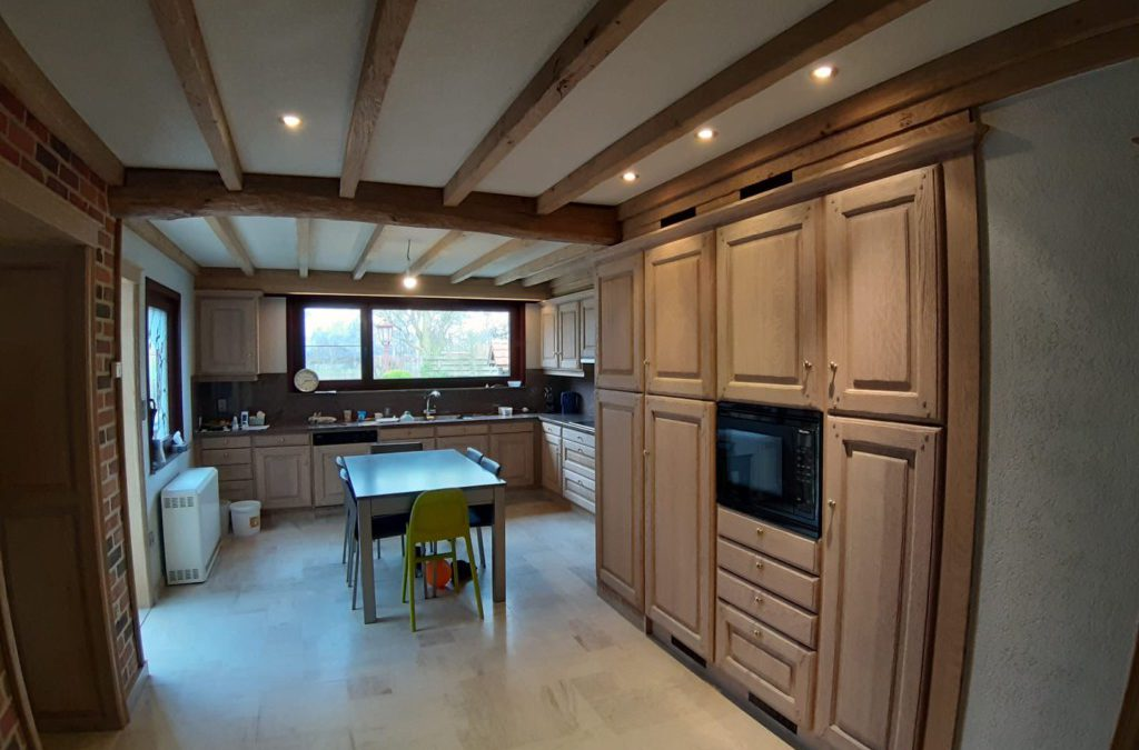 Keuken + trap + deuren + omkastingen en balken Merksplas
